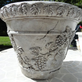 Creative Gardens – How to Rejuvenate an Old Flower Pot